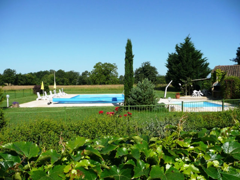 L 39 chapp e verte p rigord noir vall e dordogne - Village vacances dordogne piscine ...